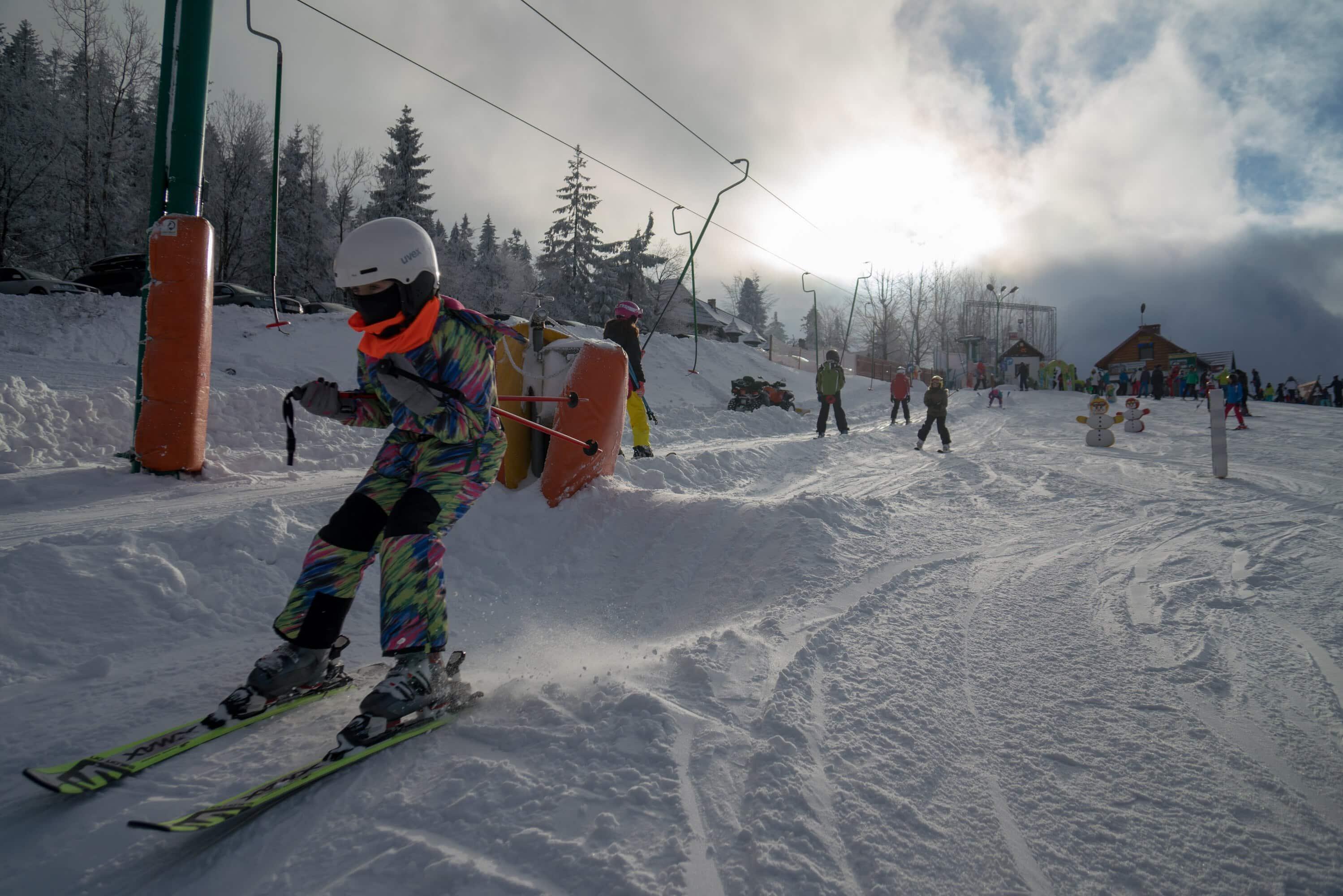 -  Szkoła narciarska - Folk Sport